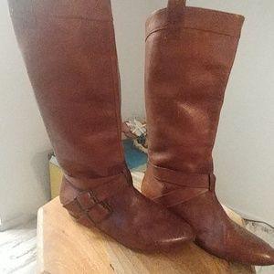 Brown Ginani Bini boots.